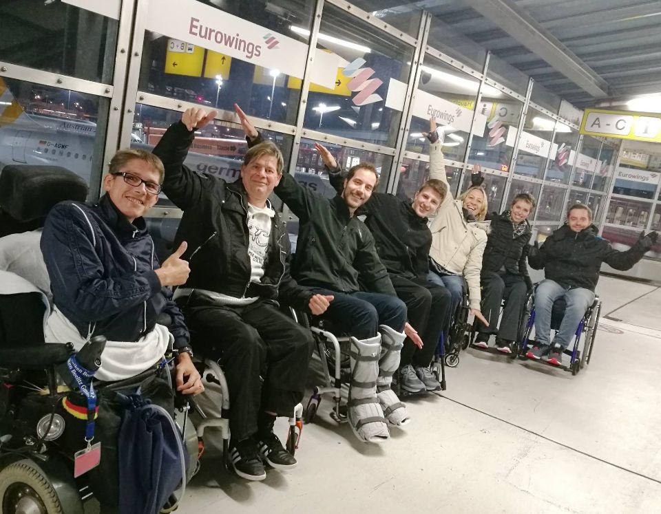 Mobikurs 'Zug zum Flug' von Rehability auf dem Flughafen Berlin-Tegel
