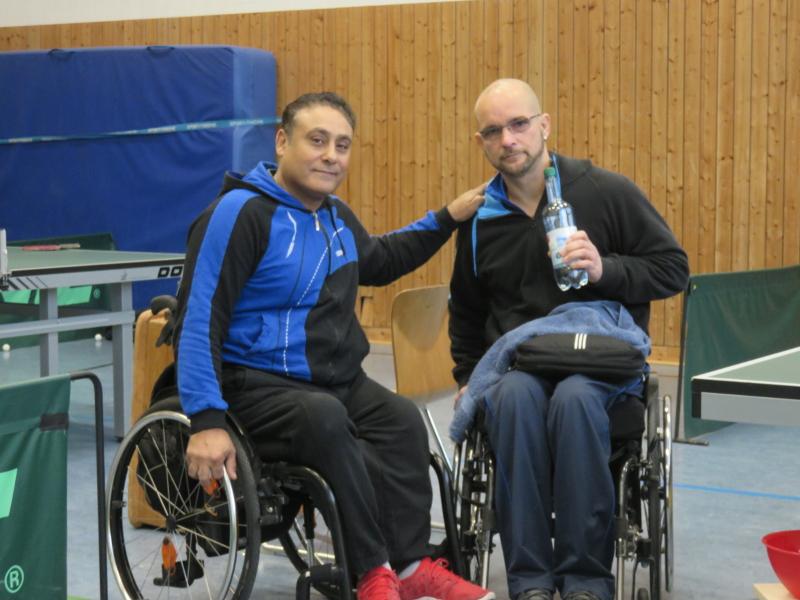 Rollstuhl-Tischtennis: 2. Bundesliga Nord Saison 2016/17 - RSC Berlin 1: Adham El-Said (l.) und Oliver Hauf